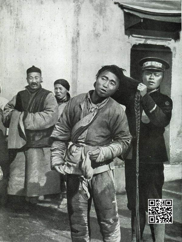 南京街头剪辫子