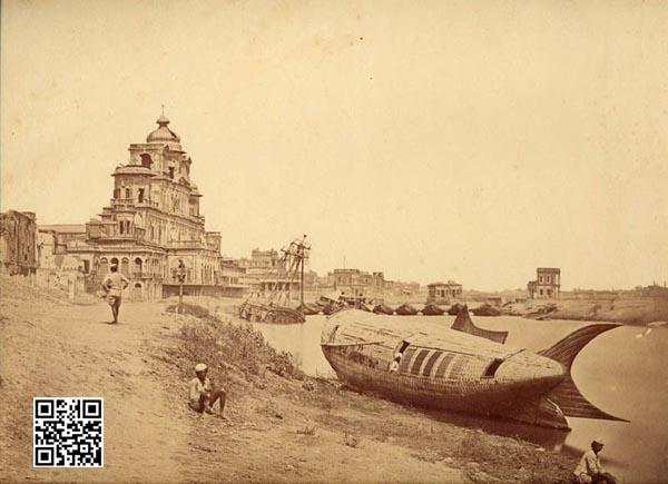 比托拍摄的勒克瑙邦查特曼苏尔宫前的鱼形船