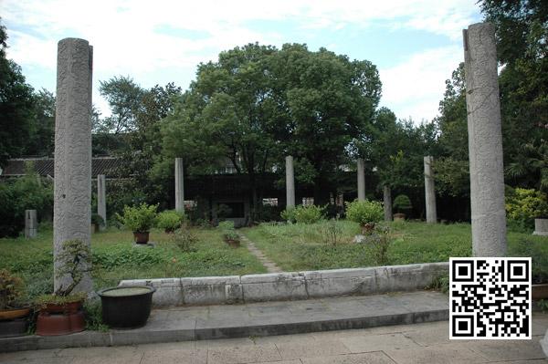自南向北望罗汉殿遗址