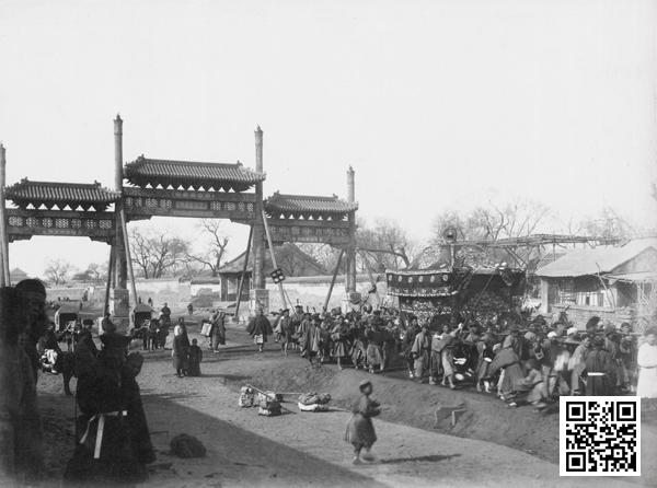 佚名摄1890年代东长安街牌楼