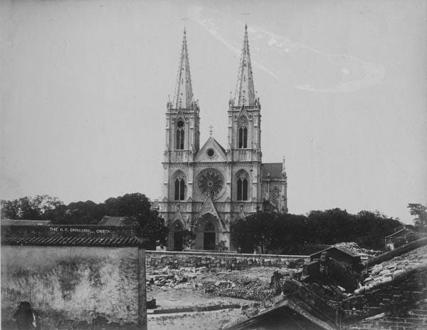 竣工的石室圣心大教堂